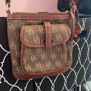 Dooney & Bourke Crossbody Purse / Bag